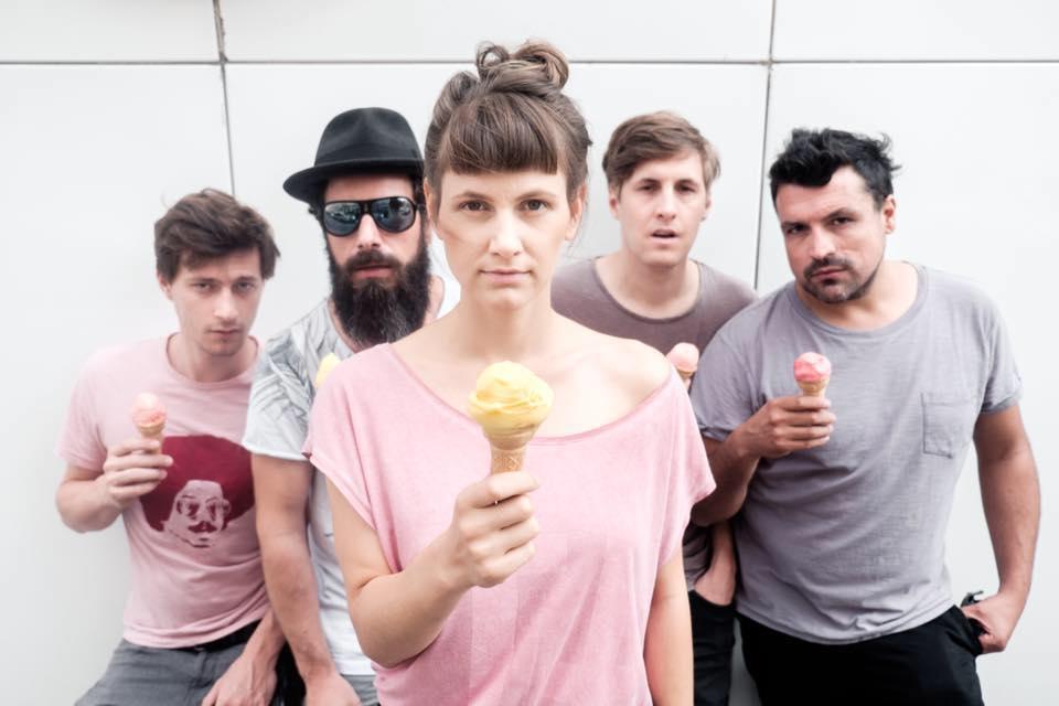 Listen to leena live in Graz